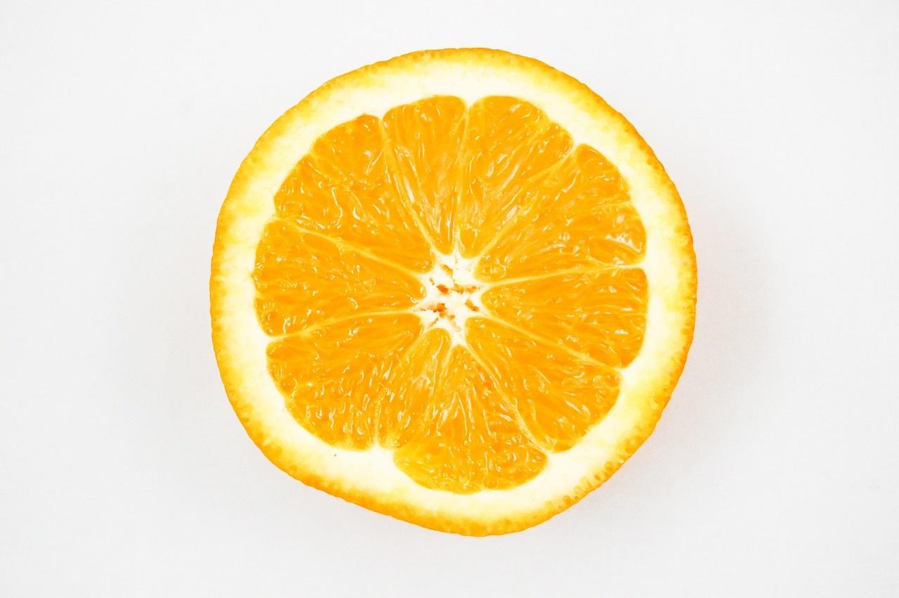 gatos frutas peligrosas naranjas